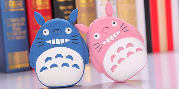 Batería portátil Totoro en varios colores