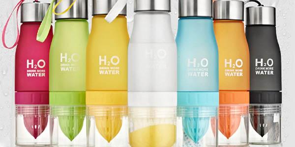 cantimplora de silicona para preparar agua de sabores frutales con tapon