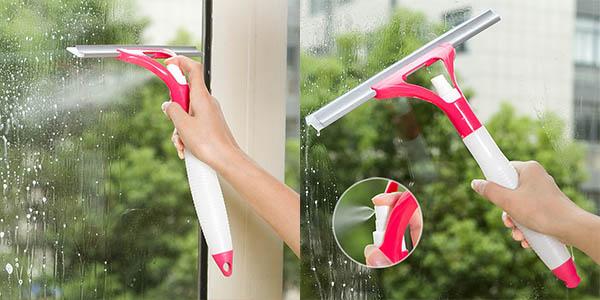 Regleta limpiacristales con spray incorporado